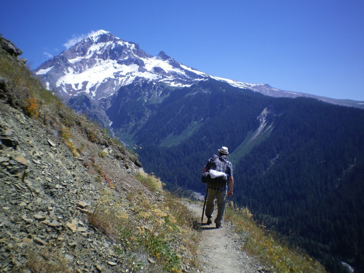 hiking-207484_1280